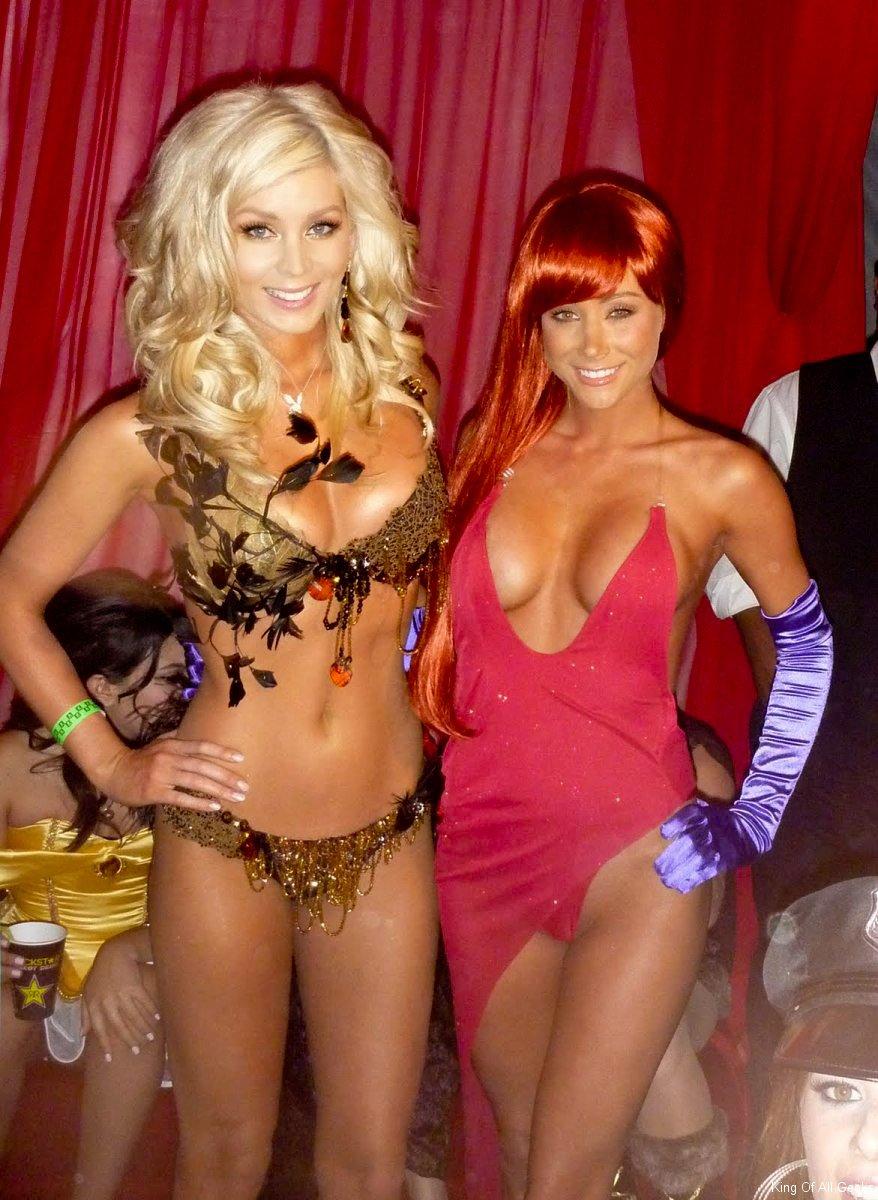 Sara Jean Underwood Cosplay Costume Pics